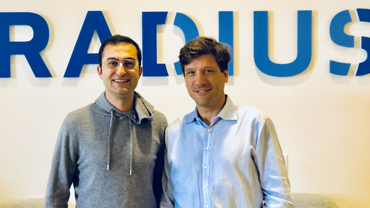 From left to right: Darian Shirazi, CEO and Co-Founder of Radius, and Doug Bewsher, CEO of Leadspace (Source: Radius)