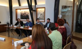 B2B Roundtable: Communication And Metrics Unlock Better Sales And Marketing Alignment